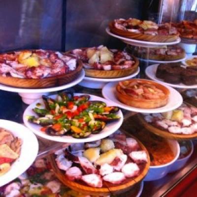 Spanish Tapas: Tortilla, Gazpacho & Sangria!