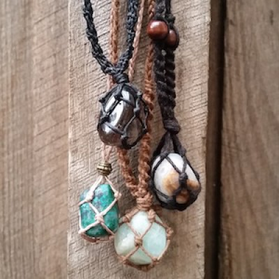 Macramé Necklace: Crystals For All Occasions