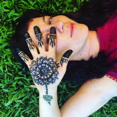 The Art of Henna: Mix, Design, Apply