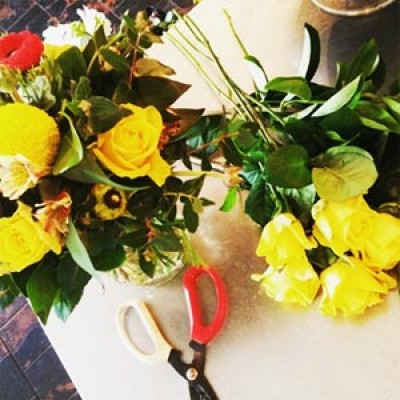 Flower Arranging: Beautiful Spring Posies