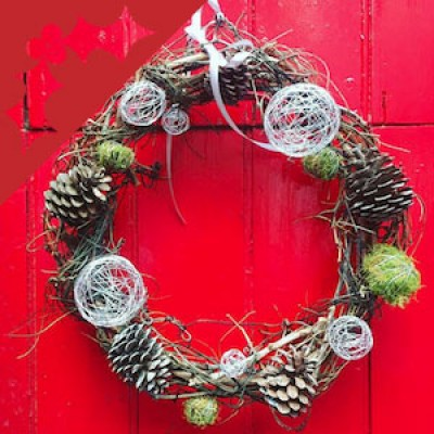 Make Your Own Christmas Door Wreath