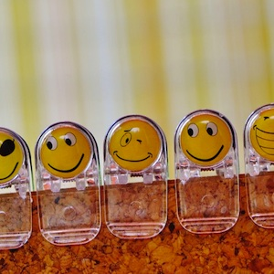 emojis on paper clips