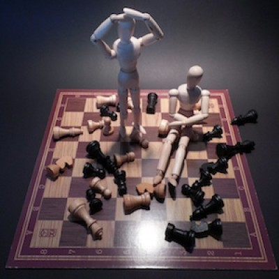 Chess: How to Beat Friends & Checkmate People with Rafael