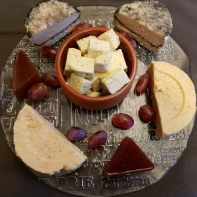 Taste & Make: Vegan 'Cheese' board with Elodie