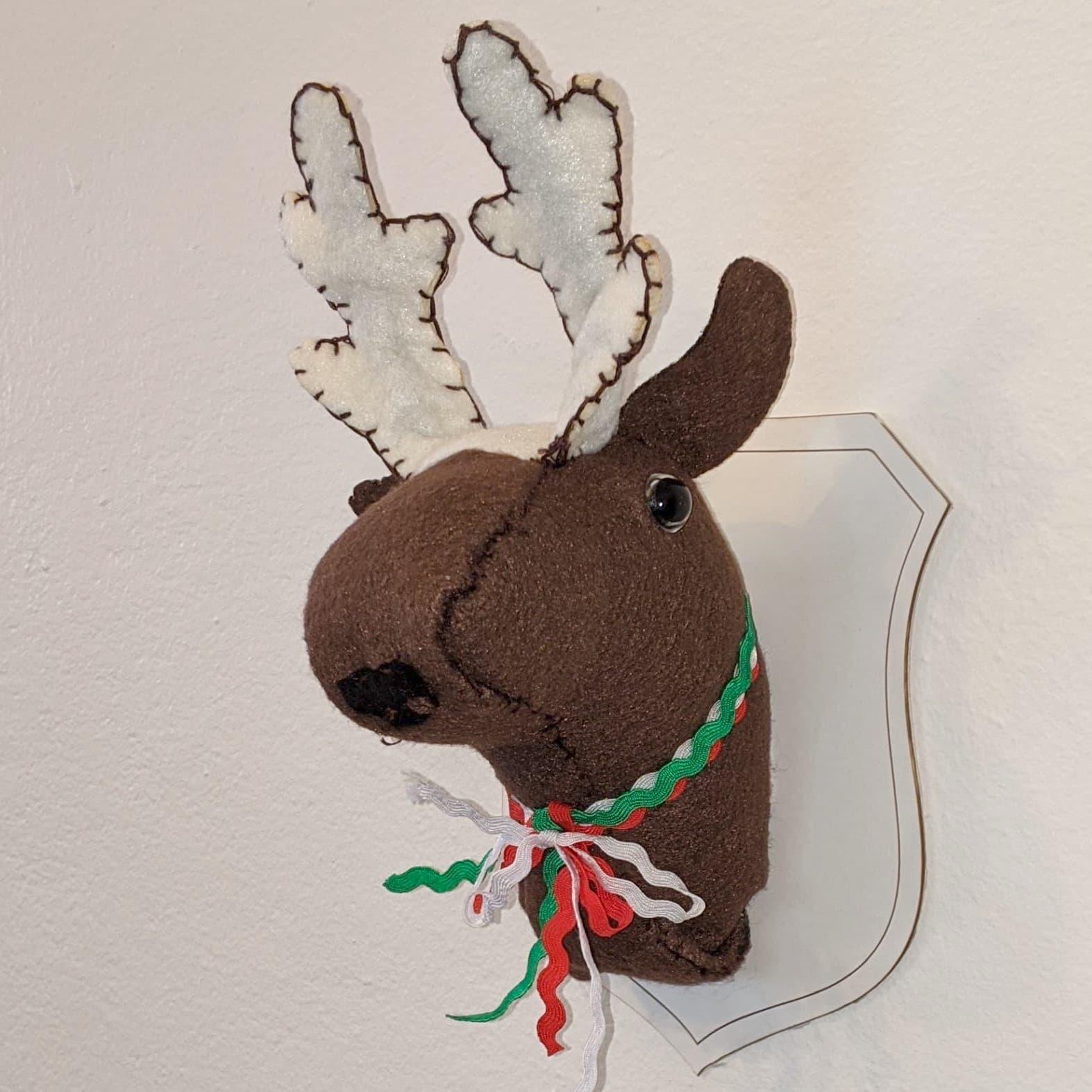taxidermy faux deer head